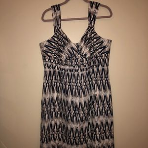 Ann Taylor lined mid length dress.
